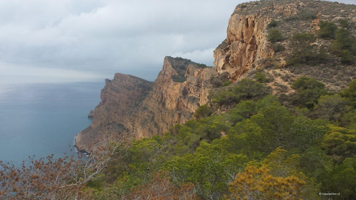 De rotsen van de Sierra Helada