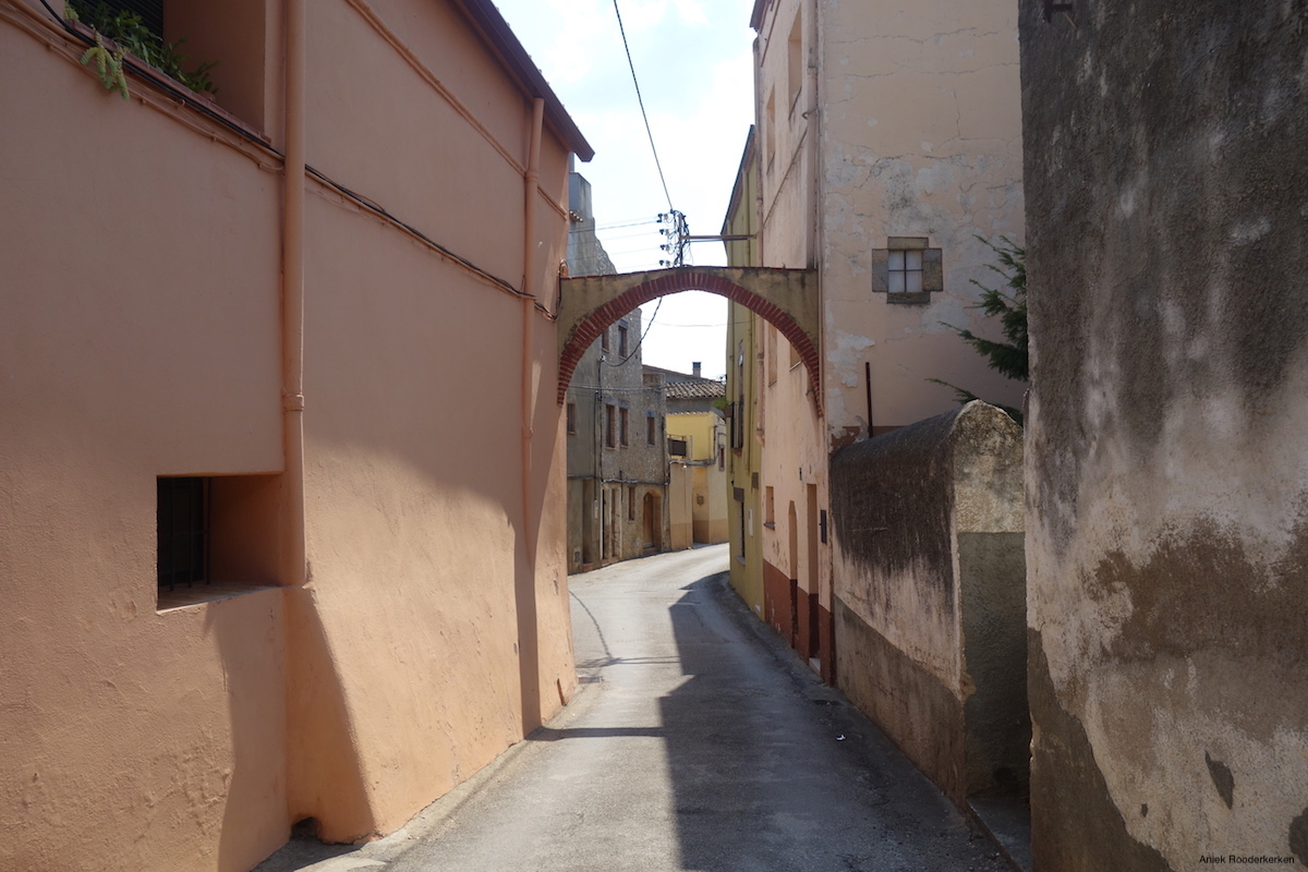 Sant Miquel de Fluvià is a small, sleepy village. Wonderful to cycle through!