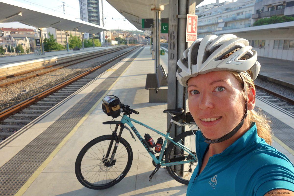 Bringing a bike on a train in Spain