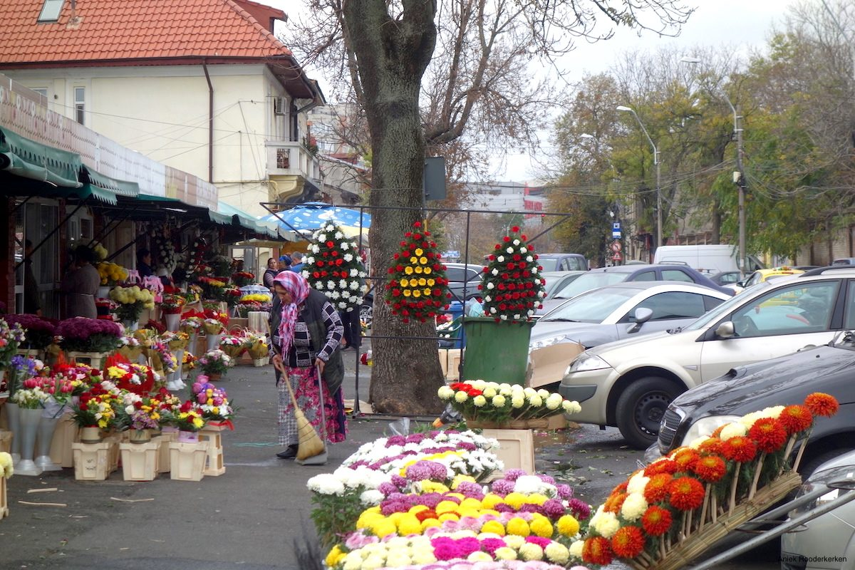 A shop near the flower market in Bucharest. Another traditional Roma job is weaving baskets.
