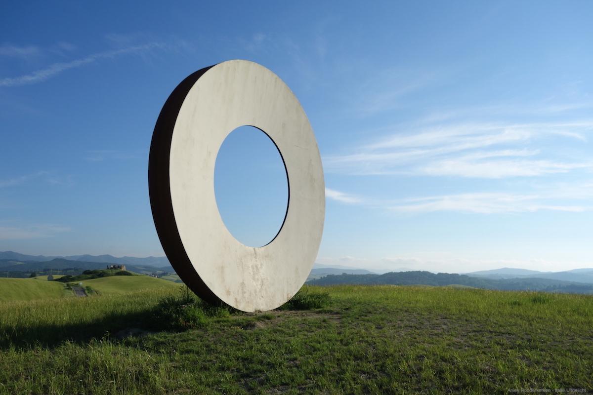 Luoghi d'Esperienza in Volterra, gemaakt door kunstenaar Mauro Staccioli