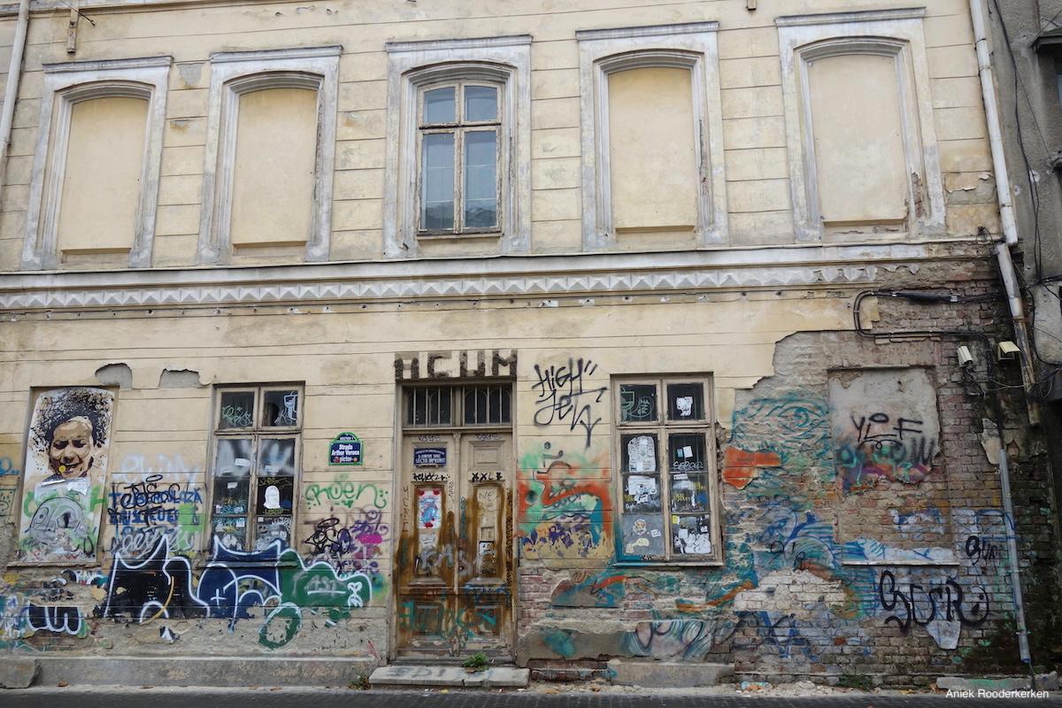 Street art in Bucharest at the Strada General Eremia Grigorescu.