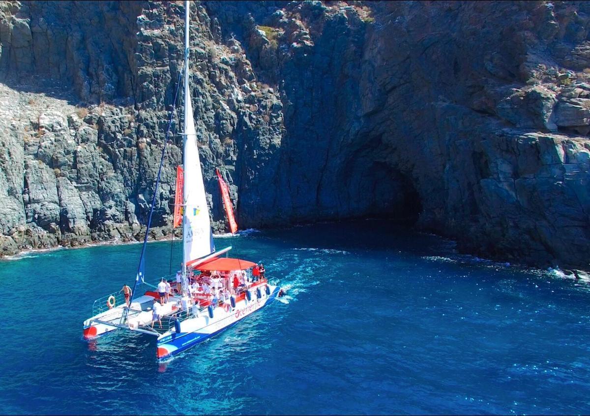 Het water op: catamaran zeilen op Tenerife