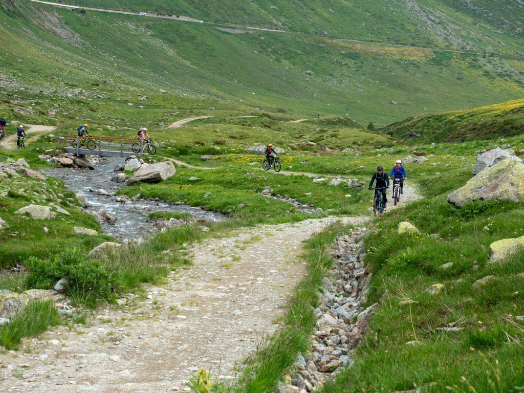 E-mountainbiken in de bergen. Foto Fabio Borga