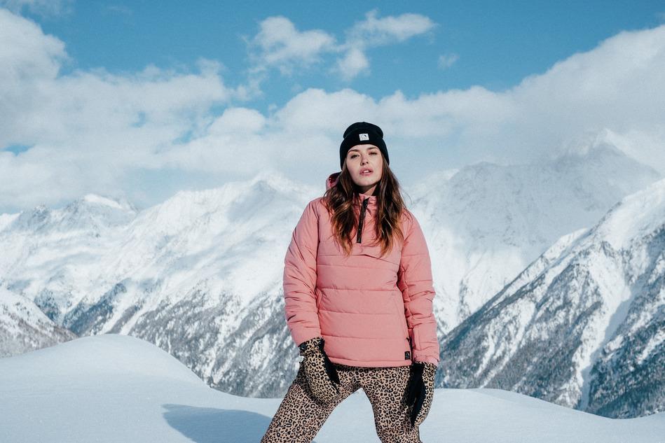 Kleurrijke kleding in de wintersportcollectie van Protest