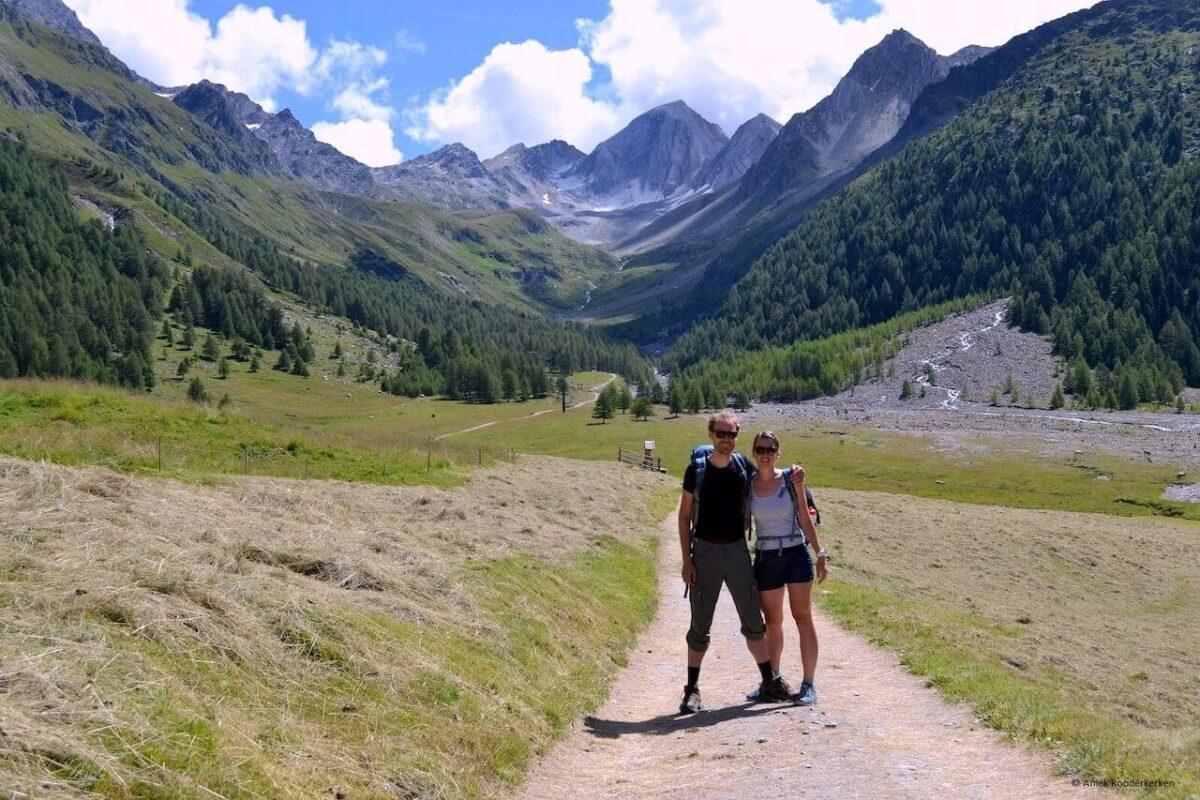 Mooie herinnering: samen wandelen in de bergen