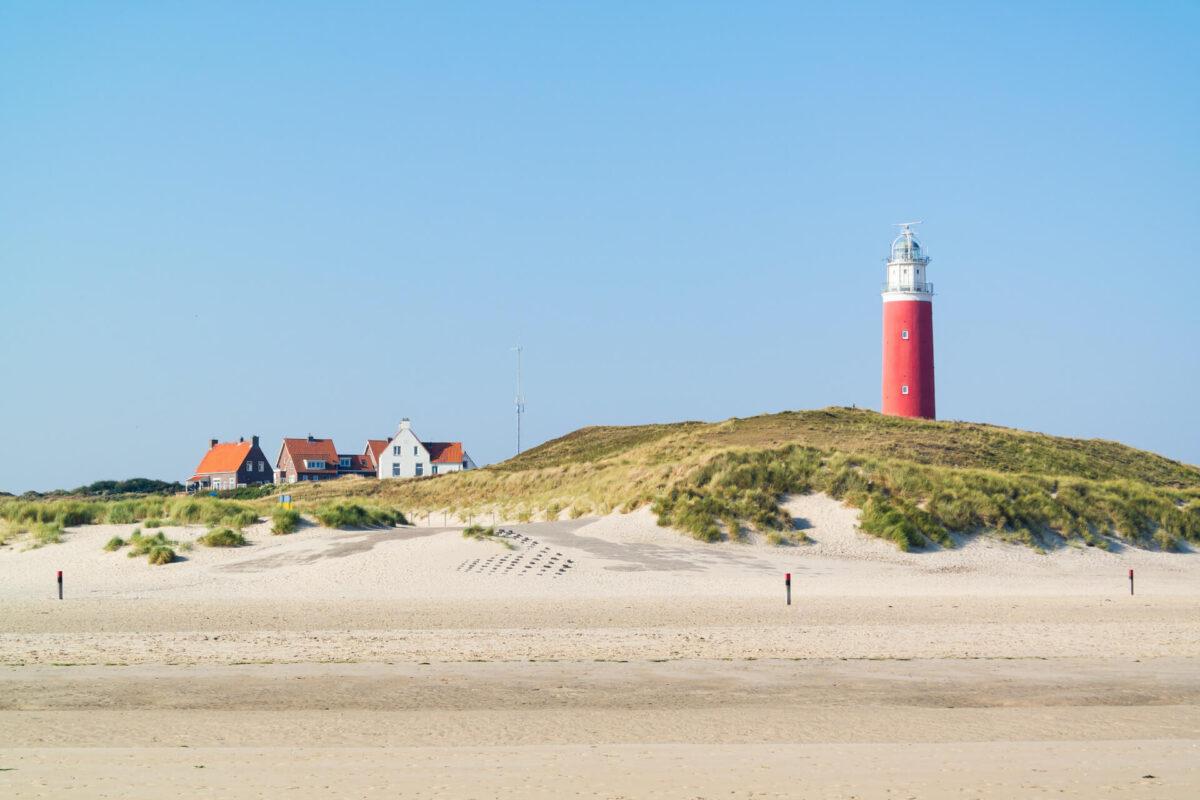 Texel vuurtoren duinen strand De Cocksdorp